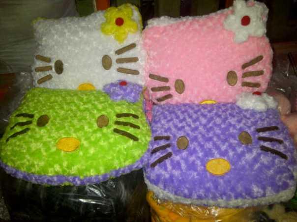 Bantal Hello Kitty Besar2